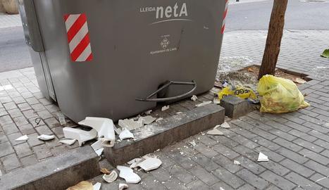 Una imatge massa habitual als carrers de Lleida.