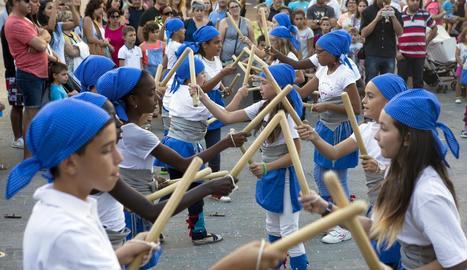 La versió infantil dels bastoners no va faltar a la cita festiva.