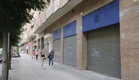 El local on hi havia les oficines del DNI al carrer Jaume II encara segueix buit.