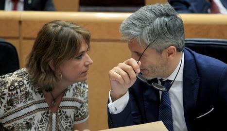 La ministra de Justícia, Dolores Delgado, amb el ministre de l'Interior, Fernando Grande-Marlaska.