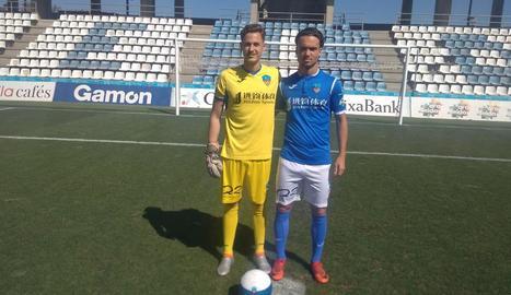 Josemi i Peeters, ahir al Camp d'Esports durant la seua presentació.