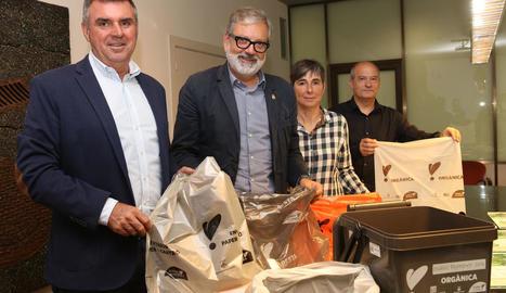 L'alcalde, Fèlix Larrosa, i el regidor de Sostenibilitat, Joan Queralt, van presentar ahir el sistema.