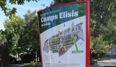 Un dels plafons renovats, ahir a la passarel·la dels Camps Elisis.