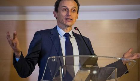 El ministre de Ciència, Innovació i Universitats, Pedro Duque, durant la compareixença d'ahir.