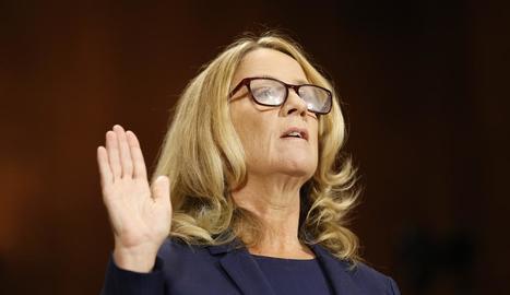 Christine Blasey Ford, en el moment de prestar jurament davant el Comitè Judicial del Senat dels EUA.