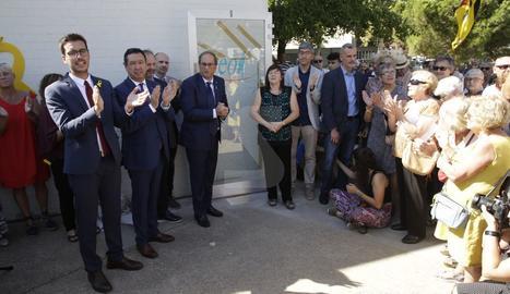 Torra inaugura un monument a l'EOI de Lleida en record de l'1-O