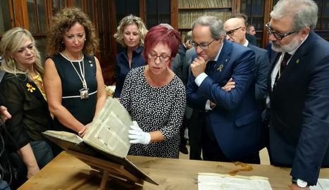 Torra ha visitat l'Arxiu Municipal.