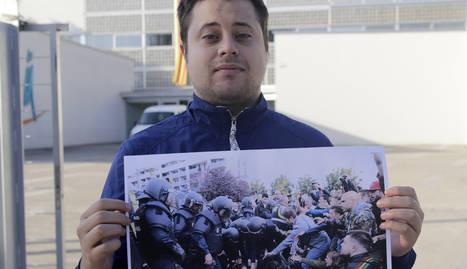 El Ramon, amb una imatge de les càrregues a l'EOI en què apareix.