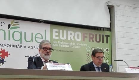 El alcalde Larrosa y el ministro Luis Planas, en el acto de clausura.