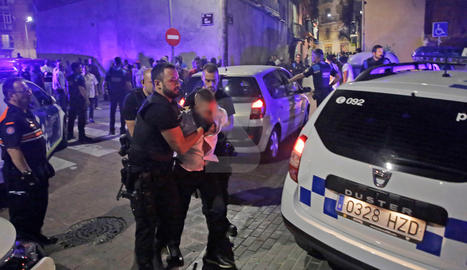 Detinguts per agredir urbans al centre de Lleida