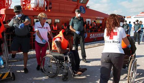 Arribada al port de Motril d'immigrants diumenge passat.