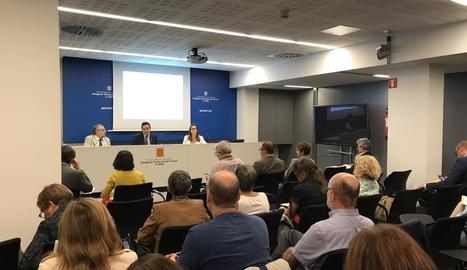 Ramon Farré va presidir ahir la reunió plenària a la delegació de la Generalitat.
