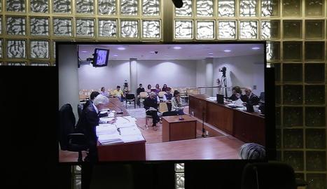 Vista dels acusats, Fernando Blanco i Margarita Garau, ahir durant la tercera sessió del judici.