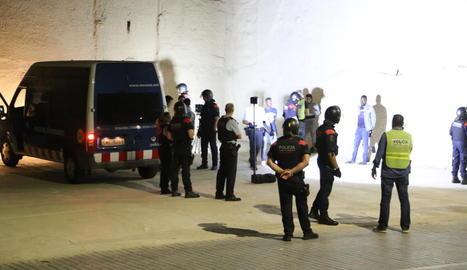 El dispositiu policial va tenir lloc a última hora de la tarda d'ahir.