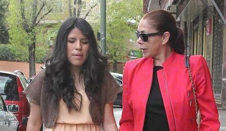 Chabelita amb la seua mare.