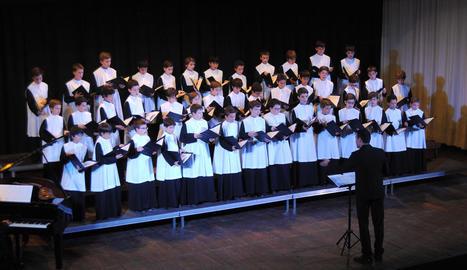 Els nens de l'Escolania, en ple concert.