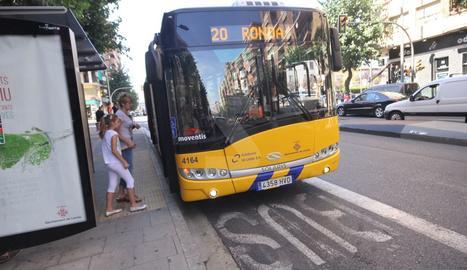 Imatge d'arxiu d'un autobús urbà de Lleida.