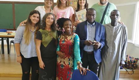 La coral cantarà cançons harmonitzades per compositors com Guinovart, que expliquen com viuene els nens i nenes africans.