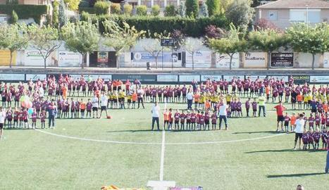La UE Tàrrega presenta els 400 jugadors que competeixen aquesta temporada en 22 equips