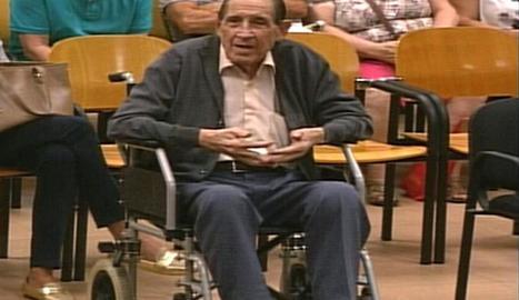 El doctor Eduardo Vela, durant el judici.