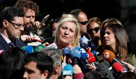 Imatge d'Inés Madrigal durant el judici al doctor Eduardo Vela.