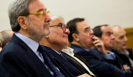 L'exdirector de Catalunya Caixa Adolf Todó, amb Narcís Serra (e).
