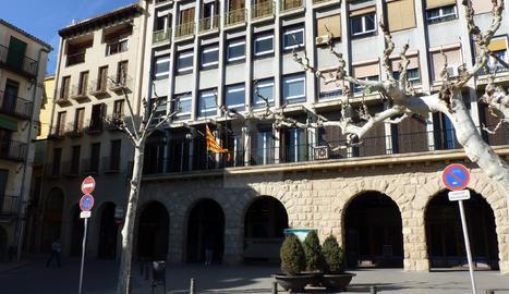 La façana de l'ajuntament de Balaguer