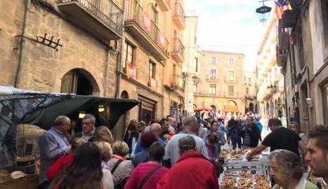 Massiva afluència de públic a la Fira del Bolet i el Boletaire de Solsona