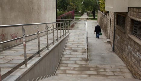 El renovat accés és molt utilitzat pels veïns.