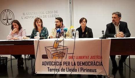 La roda de premsa d'Advocacia per la Democràcia aquest dimecres.