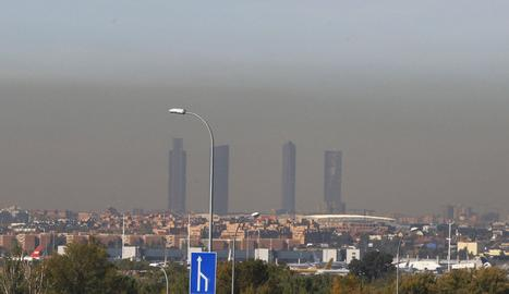 Contaminació visible al cel de Madrid