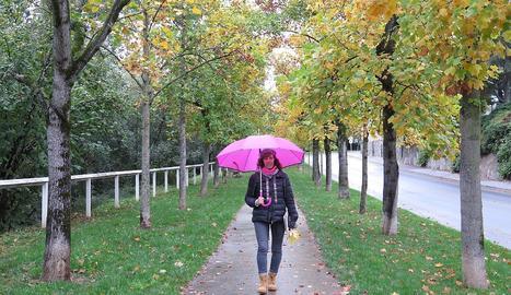 El temps plujós no va ser cap obstacle perquè la Isabel i el Miquel es divertissin passejant per la Seu.