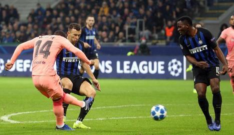 Malcom va marcar el gol del Barcelona amb aquesta rematada, al poc de sortir a la gespa.
