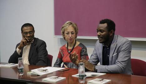 L'escriptor Oscar Kem-Mekah, ahir durant la presentació de 'No hay país para negros' a la UdL.