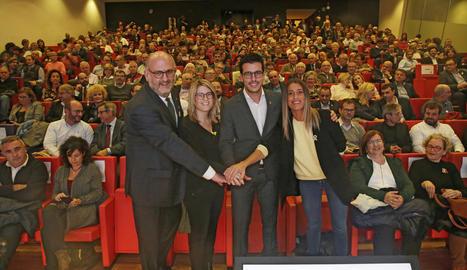 Postius va estar acompanyat ahir a la Llotja per Eduard Pujol, Elsa Artadi i Míriam Nogueras.