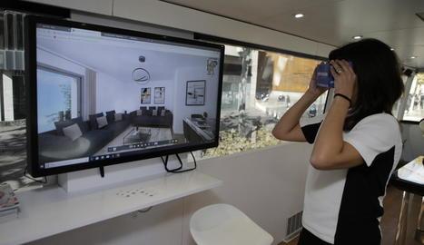 Els visitants podien veure l'interior dels pisos amb ulleres virtuals.
