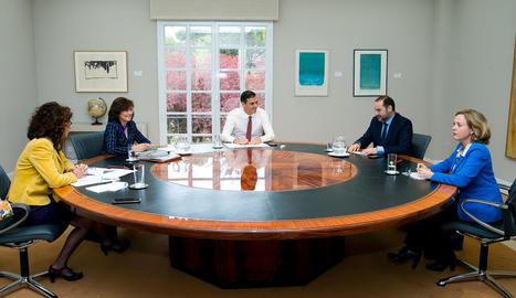Sánchez es va reunir amb membres del Govern abans d'anunciar la reforma hipotecària.