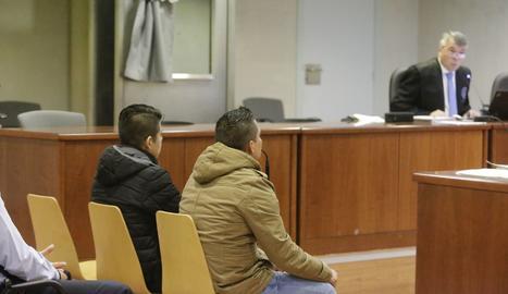 Els dos acusats, aquest dijous a l'Audiència de Lleida.