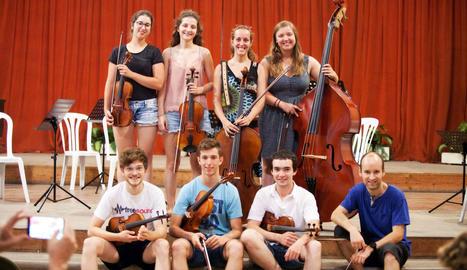 Un assaig amb part dels integrants de la nova Orquestra de Cambra de la Catalunya Interior.