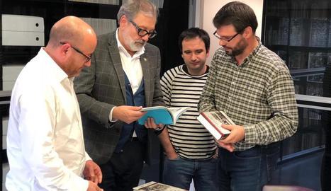 Larrosa i García-Planas (esquerra), ahir abans de la reunió.