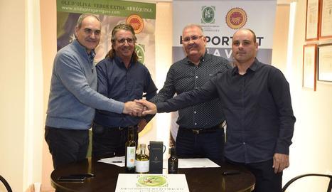 Firma de l'adhesió del Molí d'Alcanó a la DO les Garrigues.
