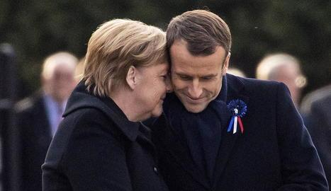 La cancellera Angela Merkel i el president francès, Emmanuel Macron, ahir, a Compiègne.