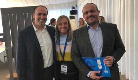 Xandri, amb els nous líder i secretari general del PP català, Daniel Serrano i Alejandro Fernández.