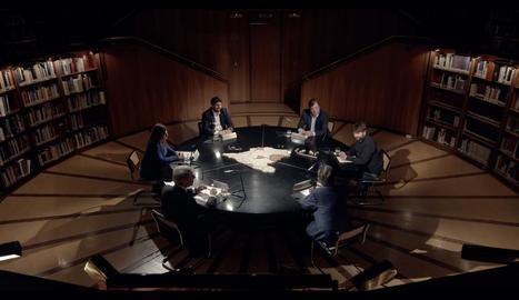 Jordi Évole i els cinc presidents, al voltant de la taula.