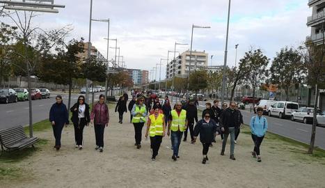 Unes 120 persones a la  XII Caminada per la Diabetis a Balàfia