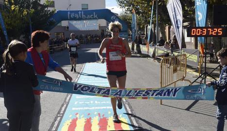 Els prop de set-cents atletes van sortir d'Ivars d'Urgell i Vila-sana, i es van dividir en dos grups de deu i cinc quilòmetres.