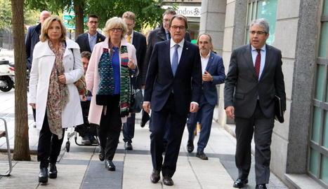 L'expresident Artur Mas i els exconsellers Joana Ortega, Irene Rigau i Francesc Homs, al Tribunal de Comptes l'octubre passat.