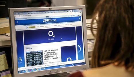 La lectura de la premsa en format digital és un sector en creixement.