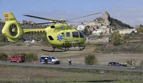 L'helicòpter del SEM al lloc de l'accident.
