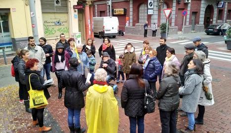 La visita es va dur a terme ahir al matí en diversos racons del barri Noguerola.